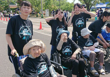 Fukui Co-operative Society's nursing facility contributes to a local marathon event